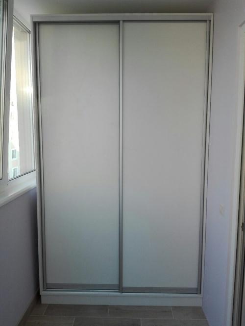 Шкаф купе на балкон  U-4015)
