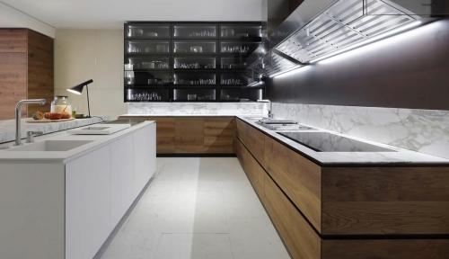 Кухня на заказ с фасадами шпон Q1047)